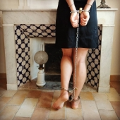 And forget about the keys #selfbondage  #selflove  #bdsmsubmissive #bdsmlïfe  #bdsm #sexyfeetandtoes  #sexybedroom  #slave  #cuffedgirl  #chainedfeet  #chains  #maidservice  #maidsama